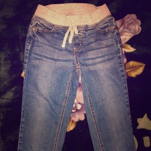 I'm selling Jeans from justice its super skinny 12